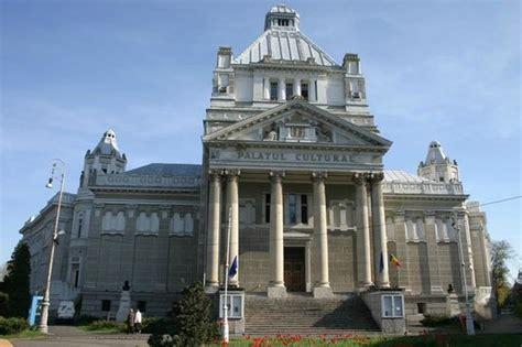 Palacio de Cultura Arad, Rumania - Picture of Filarmonica ...