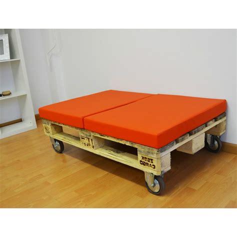 Palet puff con ruedas y dos almohadas | CasayTextil