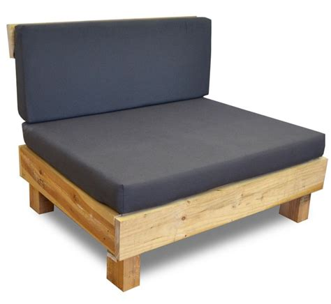 Palet sofá exterior realizado en madera reciclada de pino ...