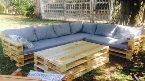 Pallet Garden Furniture - YouTube