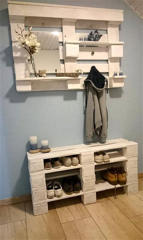 Pallet Storage Ideas for the Entrance