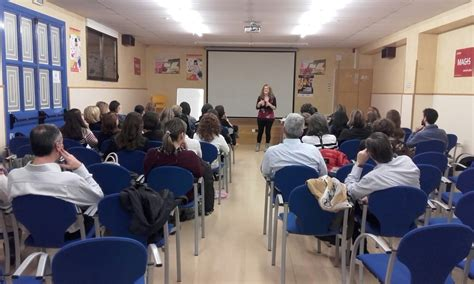 Pamplona. Colegio San Ignacio. Formación de familias ...
