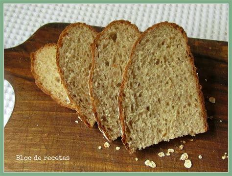 Pan de molde esponjoso de avena, con leche y copos de ...