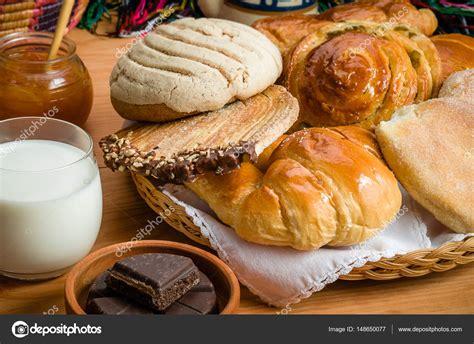 Pan dulce mexicano — Fotos de Stock © agcuesta1 #148650077