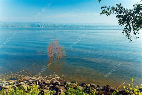 panorama del lago di Tiberiade   Mar di Galilea — Foto ...