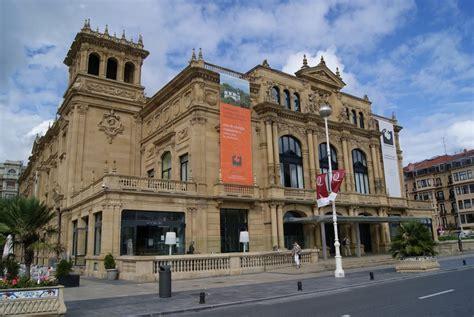 Panoramio - Photo of Teatro Victoria Eugenia,San Sebastian.