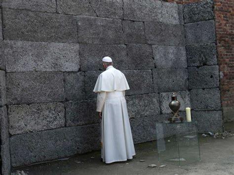 Papa Francisco visita campo de extermínio de Auschwitz ...