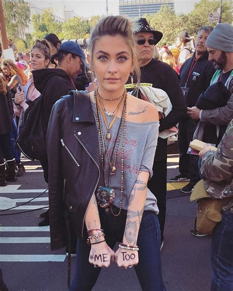 Paris Jackson at the Women's March in Los Angeles, CA ...