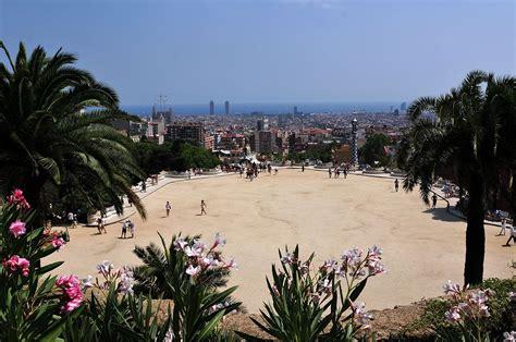 Park Güell – Wikipedia