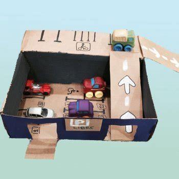 Parking de cartón. Manualidades para hacer juguetes