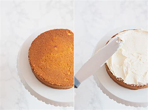 Pastel de naranja y chocolate blanco