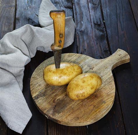 Patatas al microondas. 7 minutos   La Cocina de Frabisa La ...