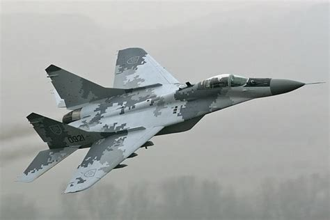 Paul Allen Buys a MiG 29 Russian Fighter Jet