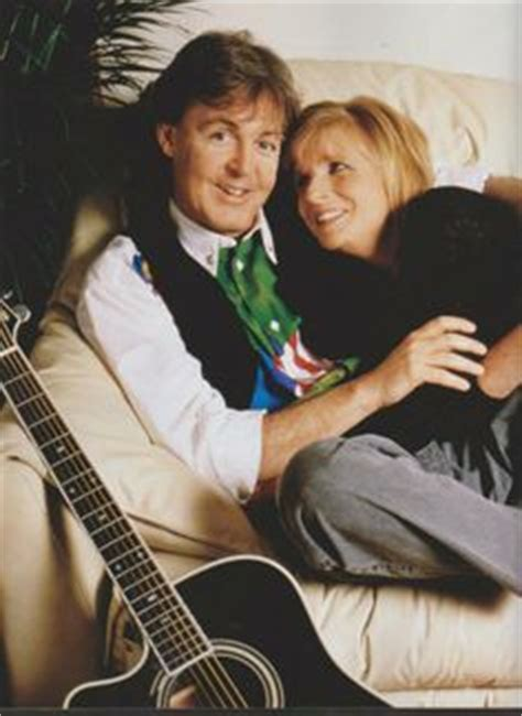 paul & linda on Pinterest | Linda Mccartney, Paul ...