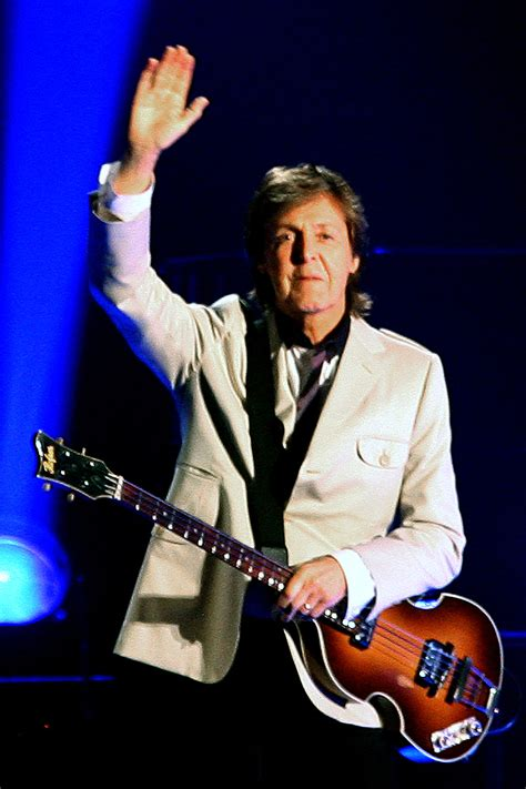 Paul McCartney at Dodger Stadium: Concert Review ...