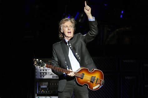 Paul McCartney realizó un concierto sorpresa y estrenó ...