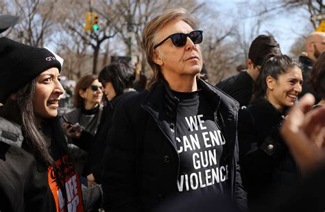 Paul McCartney Remembers John Lennon at March for Our ...