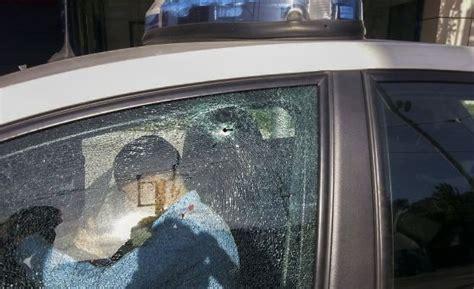 Perdigonazos contra los Mossos   Cataluña   EL PAÍS