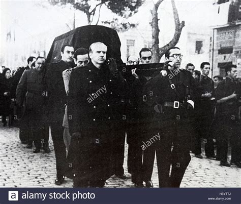 Photograph taken during the funeral of José Antonio Primo ...