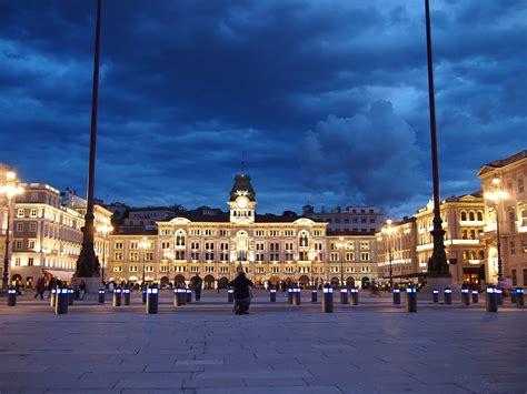 Piazza della Cattedrale, Trieste, localita, Urbanistica ...