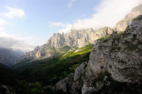 Picos de Europa   Mountain in Cantabrian Mountains ...