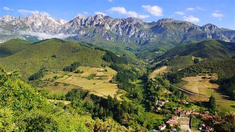 Picos de Europa – Camino Tour – Namaste Nomad