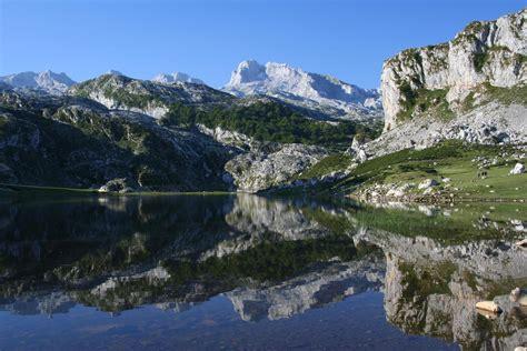 Picos de Europa: Spain Walking Holiday with Pura Aventura ...