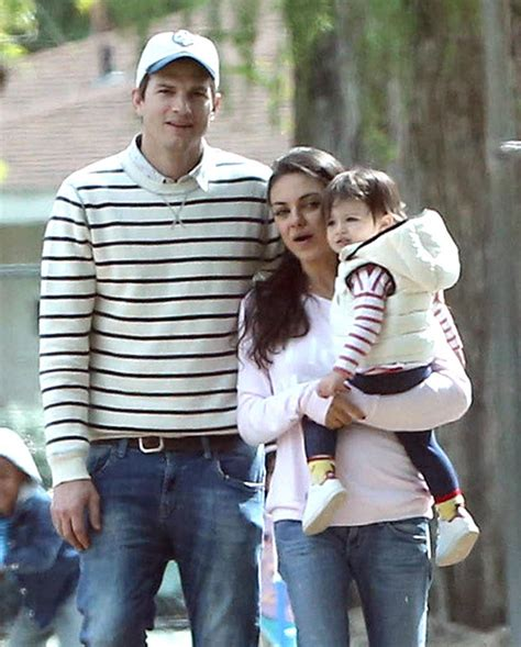 [PICS] Ashton Kutcher & Mila Kunis Romance: Photos Of ...