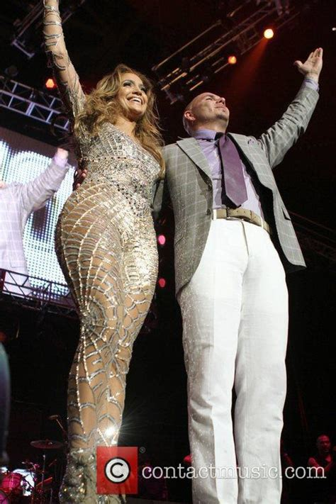 Picture   Jennifer Lopez and Pitbull at Staples Center Los ...