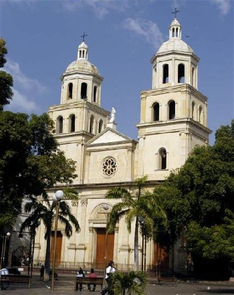 PictureNinja.com - Picture of Cucuta Cathedral