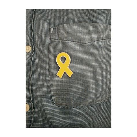 Pin llaç groc en suport presos polítics catalans