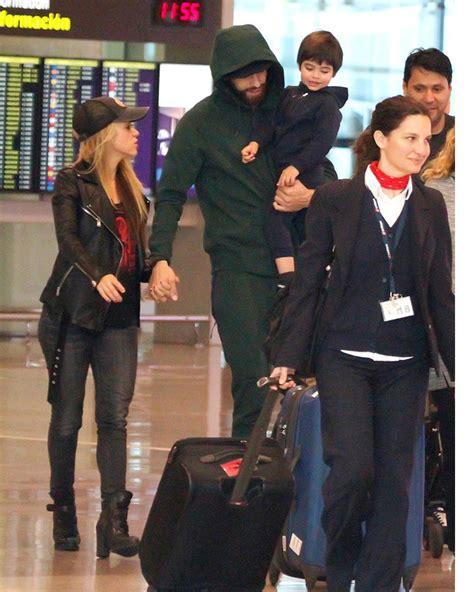 Piqué da una calurosa bienvenida a Shakira y Milan