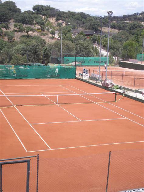 Pista De Tenis Tierra Batida. Es Una Foto De Un Detalle De ...