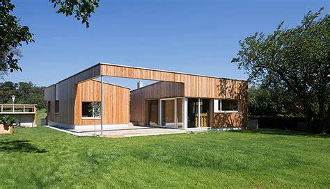 Plano de casa de una planta con fachadas | Construye Hogar