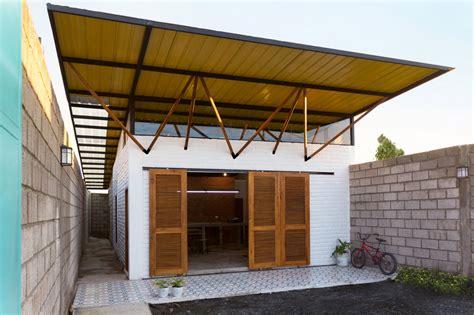 Plano de pequeña casa construida en 85 metros cuadrados ...