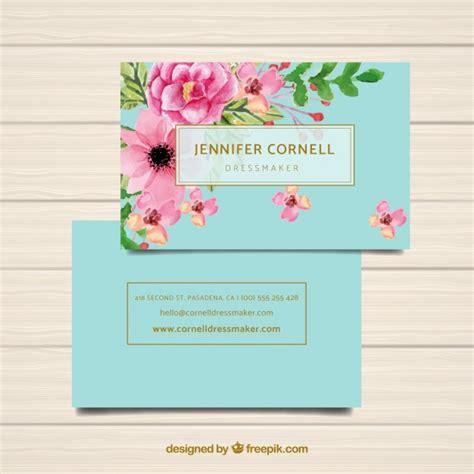 Plantilla de tarjeta de visita con flores en acuarela ...