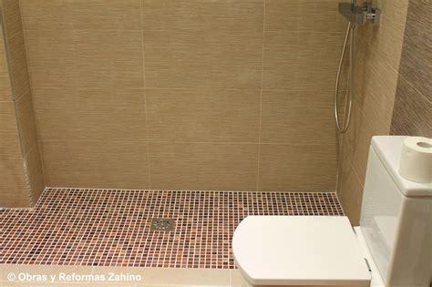 Plato de ducha de obra en gresite: Servicios de Obras y ...