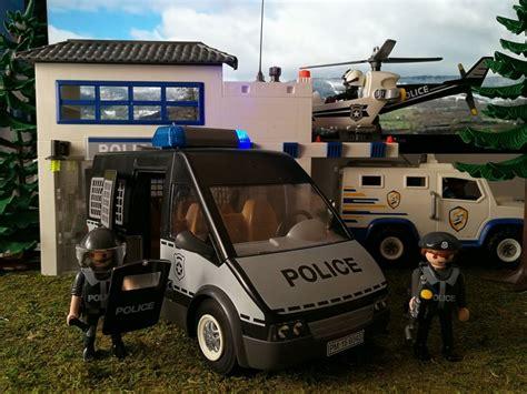 Playmobil Review: Furgon Policial 6043   Klickypedia