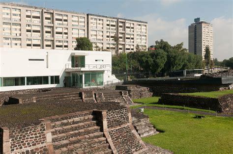 Plaza de las Tres Culturas - Wikipedia