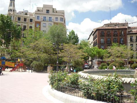Plaza de Olavide, me gusta! | Rincones del barrio ...