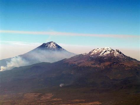 Popocatepetl and Iztaccihuatl: A Tragic Romance of Aztec ...