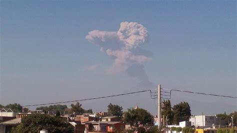 Popocatepetl volcano erupts strongly sending ash plume 5 ...