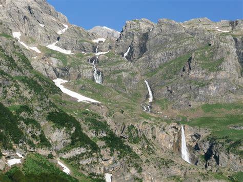 Por las montañas de Aragón: Balcón de Pineta y lago helado ...