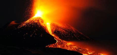 ¿Por qué hacen erupción los volcanes? - Biorígenes