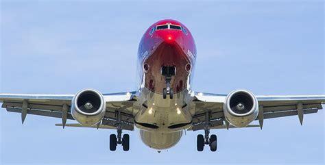 ¿Por qué los aviones comerciales no tienen paracaídas para ...