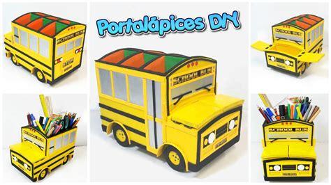 Portalápices hecho con cartón con forma de bus escolar ...