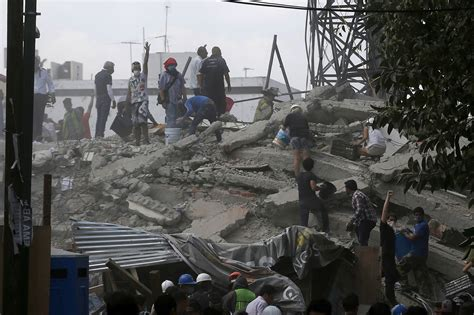 Powerful earthquake rocks central Mexico, killing over 100 ...