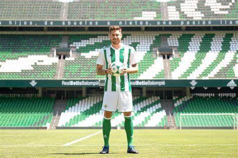 Presentación de Javi García - estadiodeportivo.com