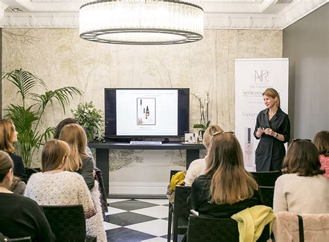 Presentación de la nueva línea cosmética NR Luxury Therapy
