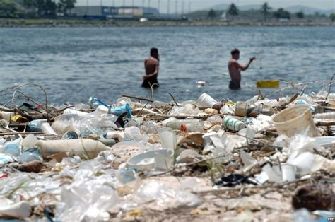 Principales fuentes de contaminación del agua - Parques ...